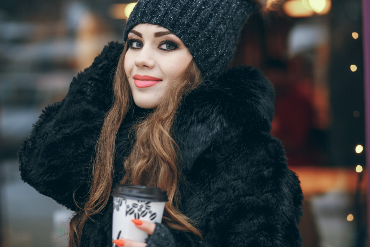Jak wybierać dla kobiet wierzchnie okrycie zimowe